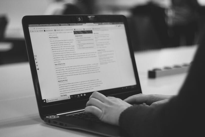 What are the benefits of business blogging?